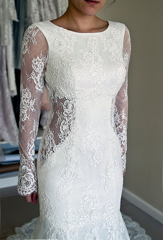 Simple Elegant Wedding Dress with Satin and Lace