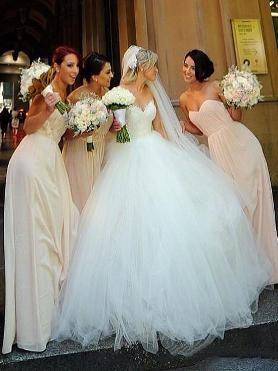 Romantic Sweetheart Fluffy Ball Gown Wedding Dresses