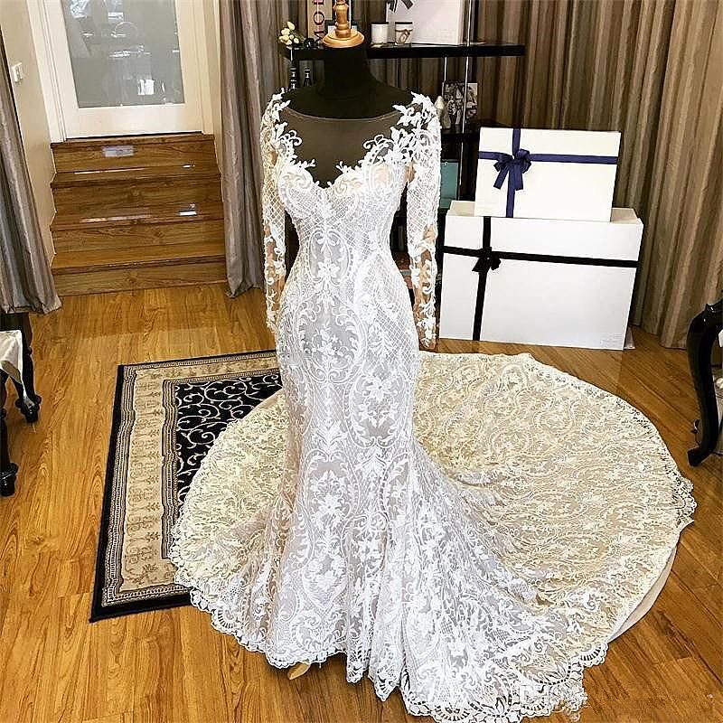 Wedding Dress With Beautiful Lace Patterns Long Sleeves